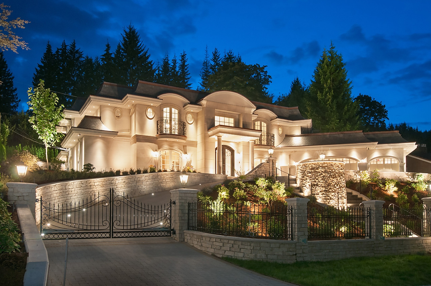 Luxury Mansions: West Vancouver Homes For Sale