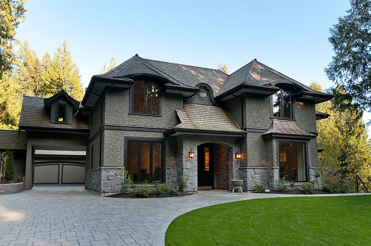 West vancouver homes for sale 2150 gisby st altamont for Luxury traditional homes